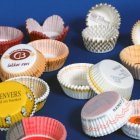 Crimped paper cups