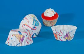 Cupcake crimped cups